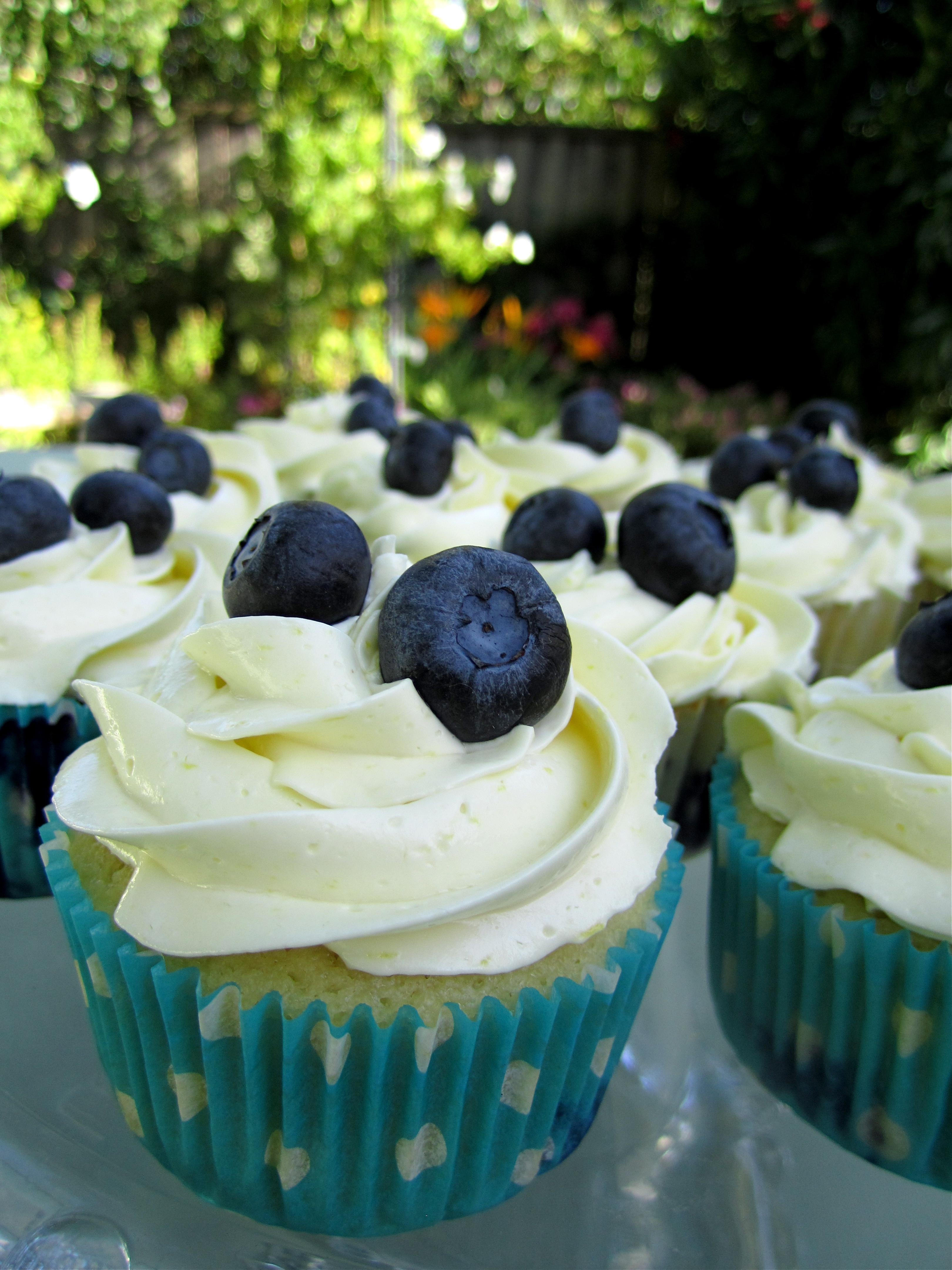 Lemon Blueberry Cupcakes with Lemon Meringue Buttercream ...